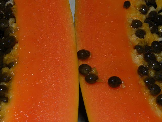 Papaya (pawpaw)